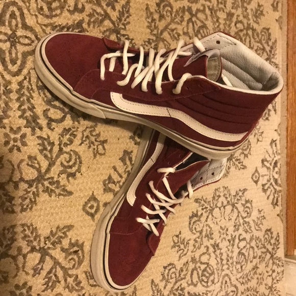 100% high quality outlet boutique cozy fresh Burgundy high top Vans (size 4) skate shoe